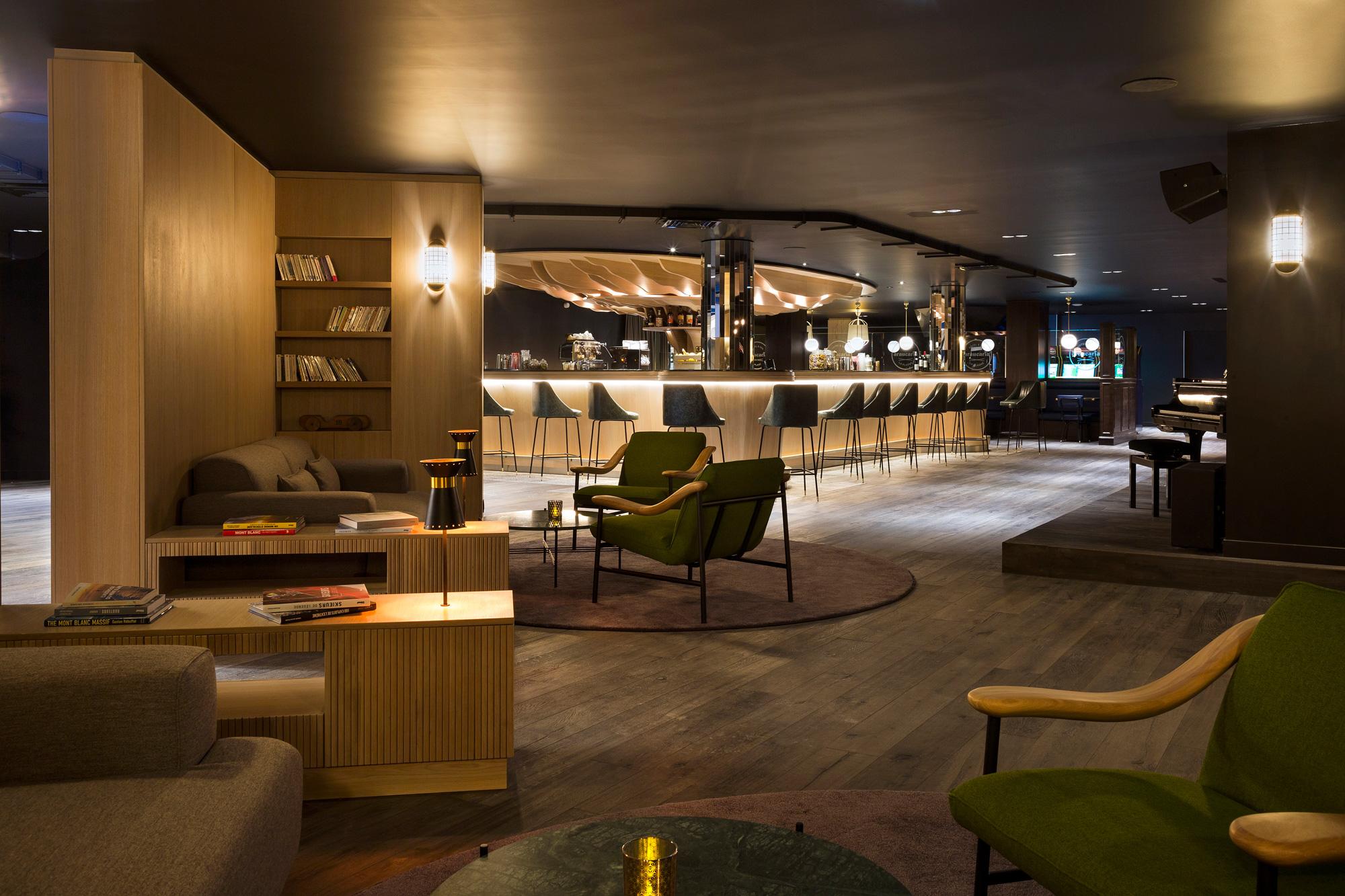 2-Araucaria-Hotel-Spa-Lobby-bar-HD